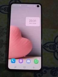 Título do anúncio: Vendo ou troco meu Samsung s10e
