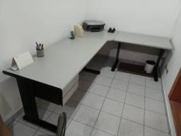 Título do anúncio: Mesa revestida de escritório em L