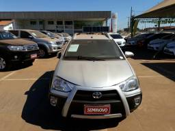 Etios hb cross 1.5 mt - 2014
