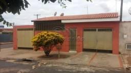 Casa à venda com 3 dormitórios cod:V2540