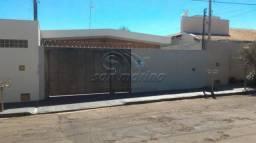 Casa à venda com 3 dormitórios em X, Jaboticabal cod:V2975