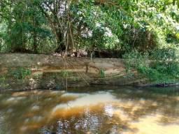 Chácara às margens do Rio Piracanjuba