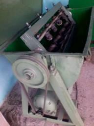 Máquina de Alinhar Vergalhão
