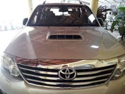 Toyota Hilux SW4 - 2014