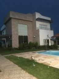 Nelson Garcia vende excelente casa no Araçagy com 6 suítes com armários.