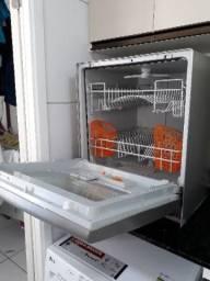 Lava louças brastemp inox 8 serviços (Muito nova)