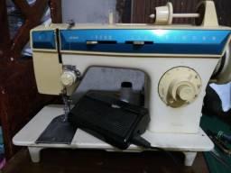 Maquina. de Costurar singer