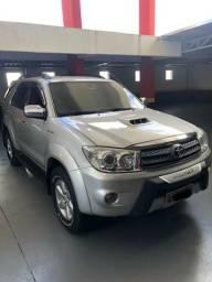 Hilux Sw4 SRV 3.0 4x4 Diesel 7 Lugares 2011 Novíssima - 2011