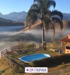 Casa em Itaipava com vista panorâmica para churrascos