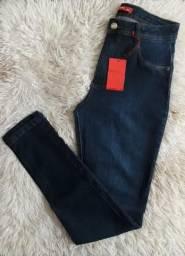 Calça jeans da BIOTIPO