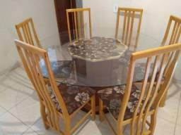 Vendo Mesa com 6 caideiras