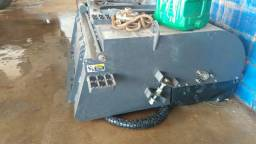vassoura da mini carregadeira