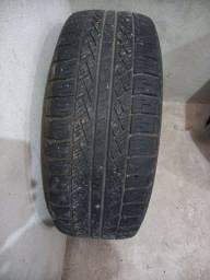 Título do anúncio: Vendo. pneu pireli nas med. 265 70 16 em excelente  estad. como  era  estep minha pajero
