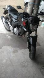 Título do anúncio: Moto CB twister