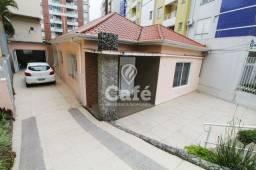 Título do anúncio: Casa 3 dormitórios com pátio no centro de Santa Maria-RS.