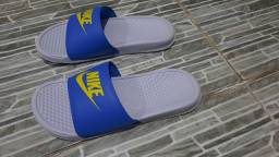 Título do anúncio: Chinelo Nike original.