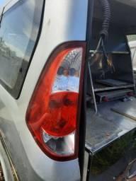 Lanterna esquerda da towner Jr 2011