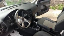 """""""Golf 2011 confortline com som pancadão e bancos de couros e rodas aro 18"""""""