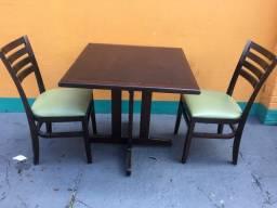 Título do anúncio: Conjunto de mesa com 2 cadeiras dellaBruna