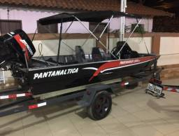Barco com motor 40 hp - 2018