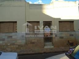 Casa para alugar com 3 dormitórios em Fundinho, Uberlândia cod:677986