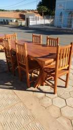 Móveis rústicos de madeira maciça