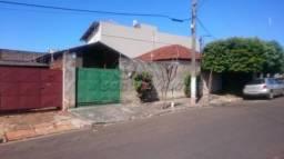 Casa à venda com 2 dormitórios em Bairro x, Jaboticabal cod:V46