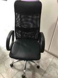 Cadeira de Escritório em Tela - Encosto Alto
