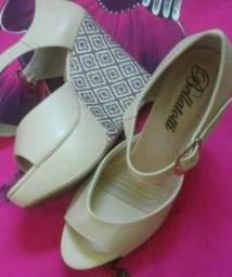 Vendo sandália annabela