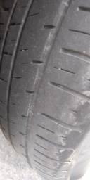 Jogo de rodas aro 13 GM com pneus