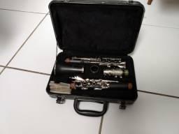 Vende-se um clarinete