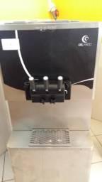 Maquina de Sorvete Expresso Gelmatic c/ bomba de ar