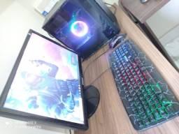 Vendo PC Gamer i7 + SSD + Monitor Top