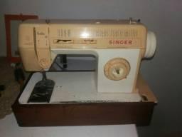 Máquina de costura Singer usada