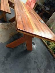 Mesas de madeira para churrasqueiras