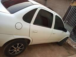 Vende_se esse carro econômico manutenção barata ano2009 mas informação no zap *