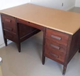 Título do anúncio: Vendo 2 mesas