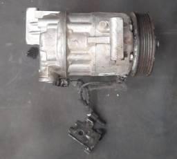 Título do anúncio: Compressor do ar condicionado da Touro