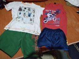Título do anúncio: 02 Conjuntos Camiseta e short infantil menino tam. 6-8 R$25