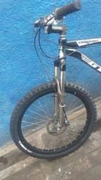 Bike GTS aro 26 câmbio Shimano Altus
