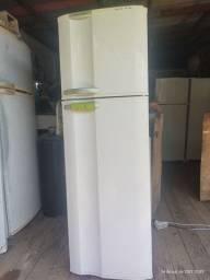 Título do anúncio: geladeira fros free Electrolux