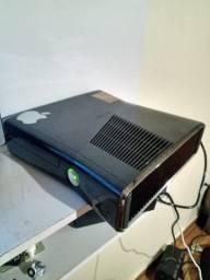 Xbox 360 slim desbloqueado com 1 controle  7 jogos muito bom