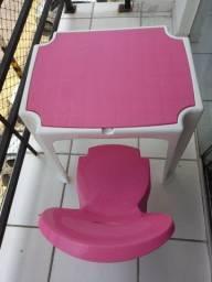 Título do anúncio: Conjunto de mesa e cadeira infantil