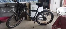 Bicicleta 21 machas pouco usada.