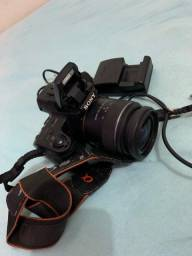 Título do anúncio: Câmera fotográfica modelo a37 alfa da sony