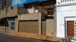 Casa à venda com 3 dormitórios em Centro, Jaboticabal cod:V3033