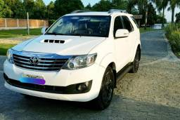 Hilux SW4 SRV 3.0 Diesel 4x4 - 2013