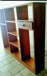 Estante em madeira maciça