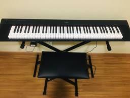 Vendo ou troco por note book Piano Digital Yamaha Piaggero np 32
