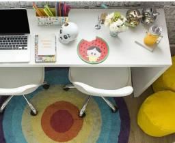 Mesa branca para escritório ou jantar